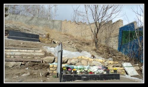 مزار شهید جعفر کاظمی در گورستان شلنبه دماوند